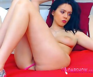 Tight Milf Shows Off Pussy With OMBSHOW Toy Inside U Turn It On NOW