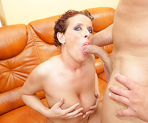 This horny mama loves to get a pie and a pee