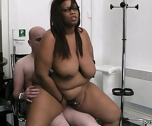 Large-breasted ebony fatty do it