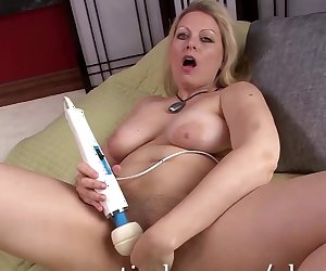Blonde MILF Zoey Tyler Gets