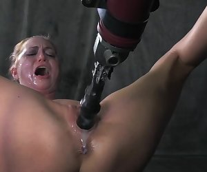 Roxy Rox Faces The Fucking Machine