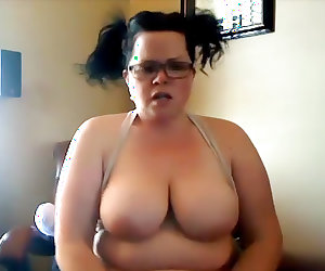 Hot BBW with glasses squirts while toying cunt