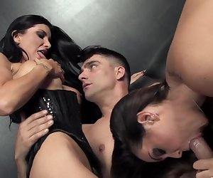 Romi Rain's hot threesome