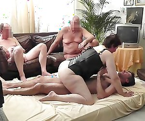Mature milf to be used on the matress