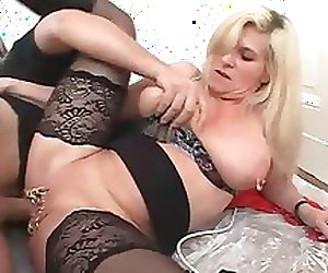 mature extrem piercing fucking