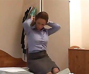 Angry mom gives her boyfriend a harsh handjob