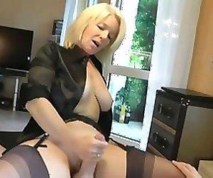 Amateur Blonde Cum pussy Job!