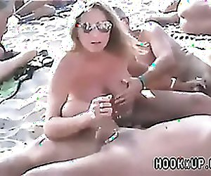 Couples sex on beach - HookxUp-com