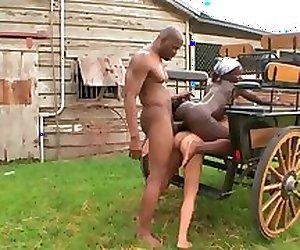 Black et blonde coquine gros cul