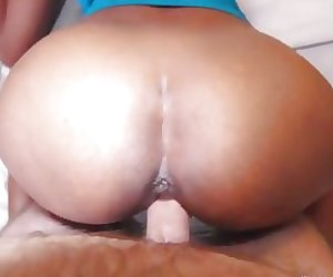 Milf from the Philippines satisfying her client