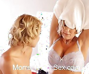 Hot threesome with sexy stepmom and daughter duo