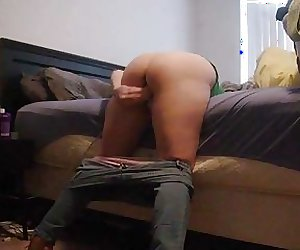 Intense anal orgasms from this mom as she leans over her bed