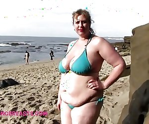Lila Lovely's big juggs in a bikini