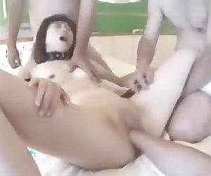 soumise japonaise trous vaginal fiste et beant enculee