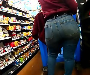 Big Mega Ass 20 Year Old In Jean LS2