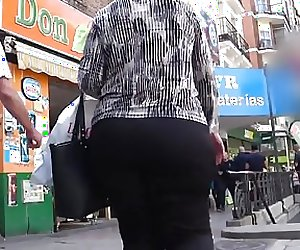 big ass curvy mature GLUTEUS DIVINUS