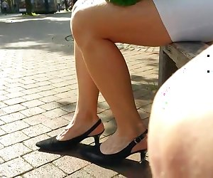 Hot legs while i was on shopping tour