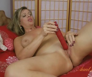 Silky Thighs Lou in Toys Movie - AuntJudys